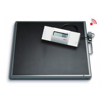 Весы медицинские специальные с выносным дисплеем и большой платформой seca 634 в Самаре